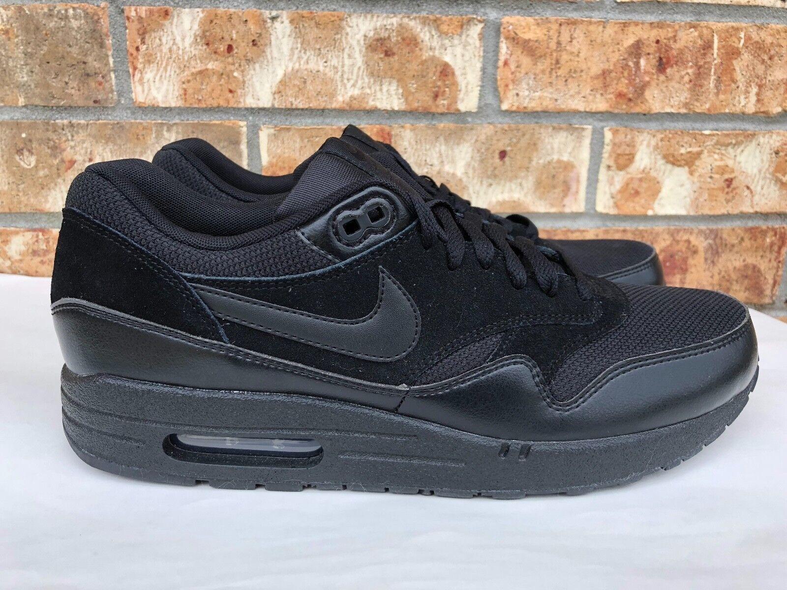 new styles 7491c fce2e ... closeout mens nike air chaussures max 1 essential running chaussures air  triple noir 9ce693 455db 8e1d2