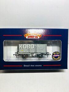 Bachmann-37-078-Kobo-7-plank-end-door-wagon