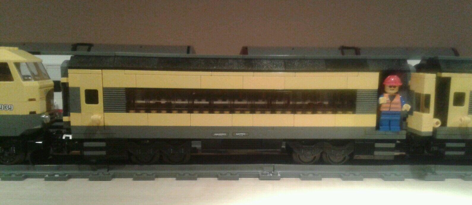 LEGO® City Eisenbahnwagon XL mit Türen schwarz-gelb 7939 bricktrain