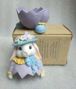Vintage AVON  EGG PALS Figural BUNNY Rabbit EASTER EGG CUP in wrong box CUTE!