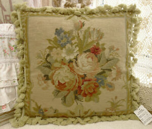 18-034-Shabby-Chic-Beautiful-Buds-amp-Blooming-Floral-Bouquet-Needlepoint-Pillow-Cover