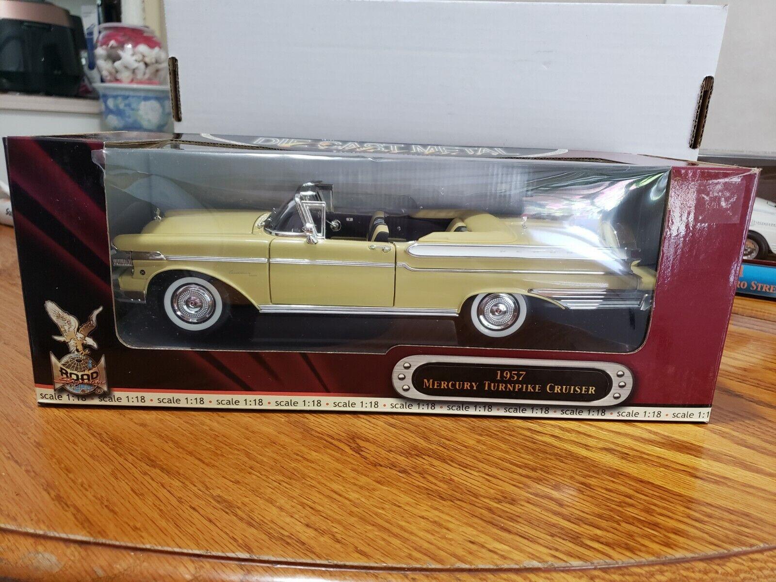 barato y de alta calidad Road Signature Mercury 1957 Turnpike Cruiser 1 1 1 18 Scale Die Cast Deluxe Edition  mejor marca