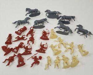 VINTAGE-con-Cowboy-e-Indiani-Cavallo-SOLDATINI-RARE-FIGURE-IN-PLASTICA-x29