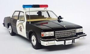 MCG-1-18-Scale-Chevrolet-Caprice-California-Highway-Patrol-1987-Model-Police-car