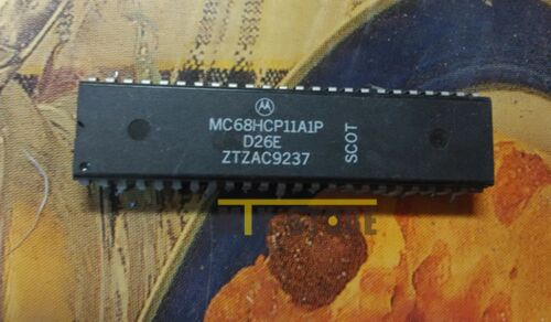 1PCS MC68HCP11A1P 8-Bit Flash MCU PDIP48