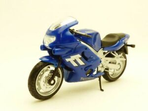 MOTO-TRIUMPH-TT600-bleu-1-18