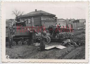 S646-Foto-Wehrmacht-Russland-Portrait-Panzer-Grenadier-Beute-Flak-Artillerie-TOP