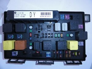 astra h 2005 2009 front fuse box fits idents ec dr dy 93182941 ebay. Black Bedroom Furniture Sets. Home Design Ideas