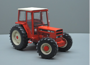 REPLICAGRI 1 32 SCALE RENAULT 851-4 4WD MODEL TRACTOR