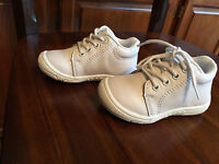 Baby Boy Girls Shoes White Genuine Leather Us Size 2 Compared Stride Rite Walker