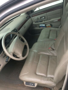 1999 Cadillac Deville. 185K km.