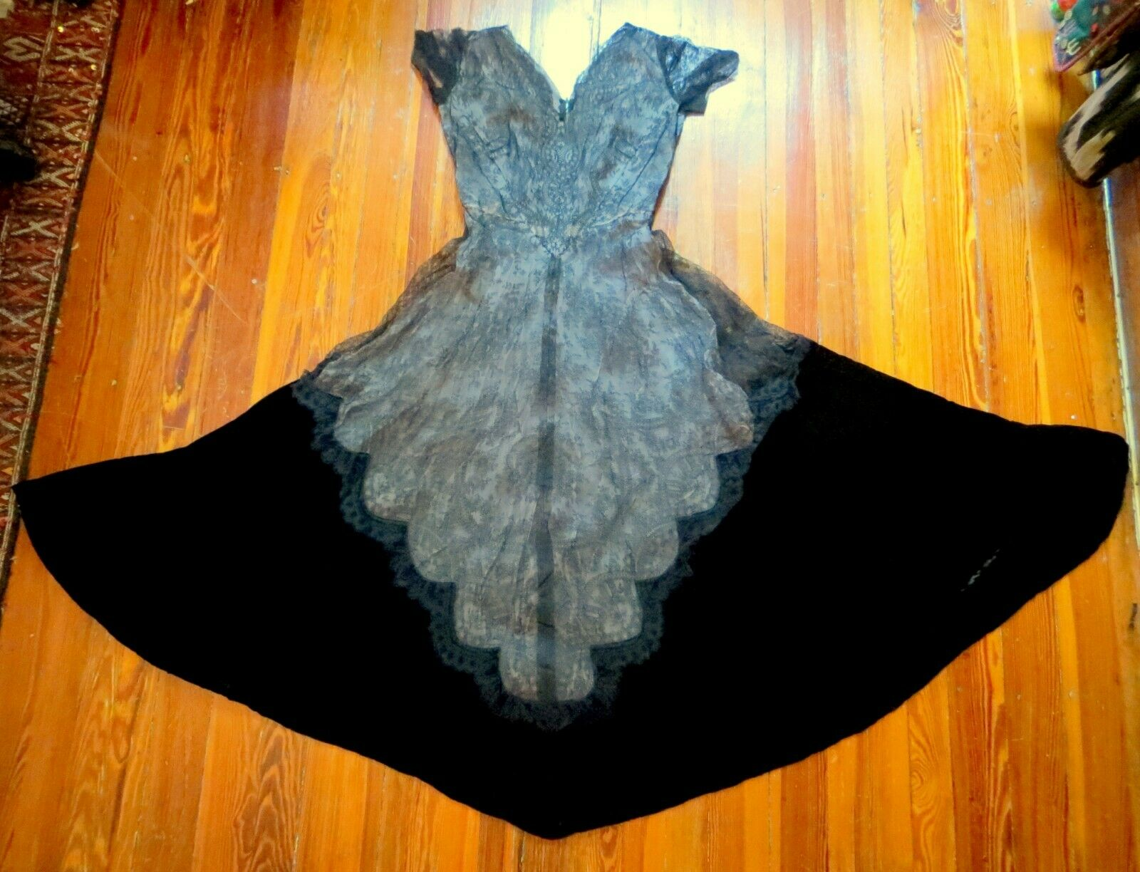 Old Hollywood 1930s Black Silk Velvet and Lace Fishtail Ball Gown, Larger Size