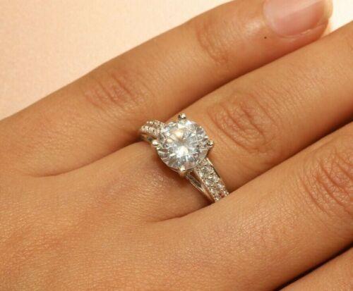 2 ct Round Cut Engagement Mariage Solitaire avec Accent 18k Or Blanc Finition