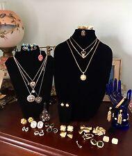 Lot 25 Pieces Signed Designer Jewelry Trifari Monet Napier Lisner Danecraft Best