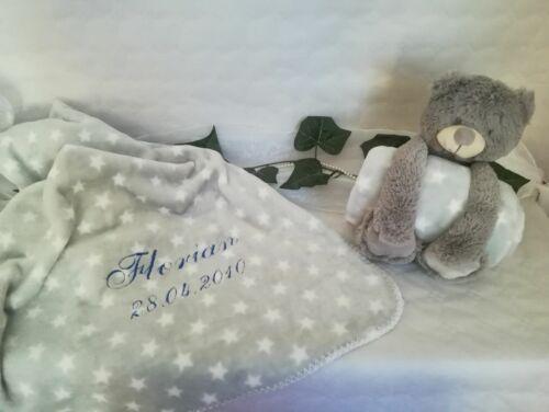 Teddy mit Kuscheldecke Wunschname+Datum