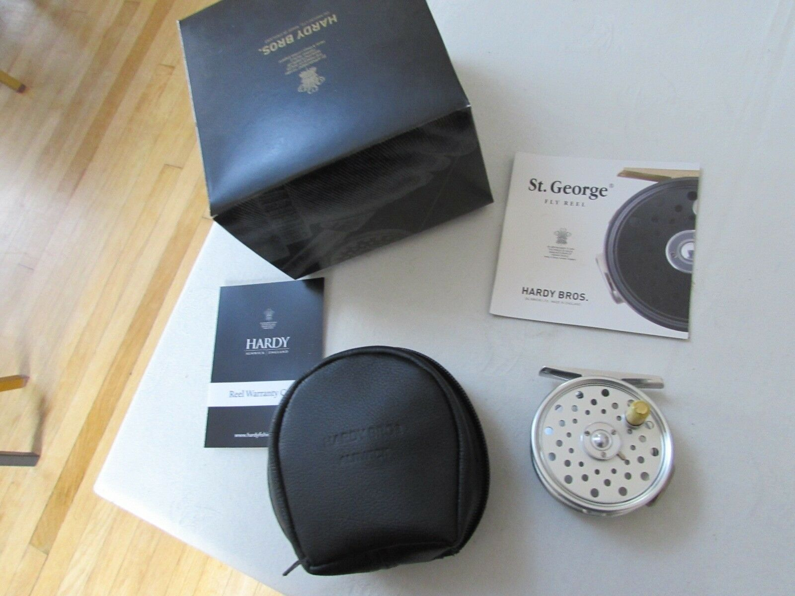 NUOVO in scatola Hardy St George Junior Spitfire RHW Trota Fly Fishing REEL