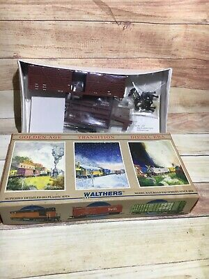 HO WALTHERS 40 FT BRACED BOX CAR 932-2700 Box Car UNDECORATED BROWN UNASSAMB KIT
