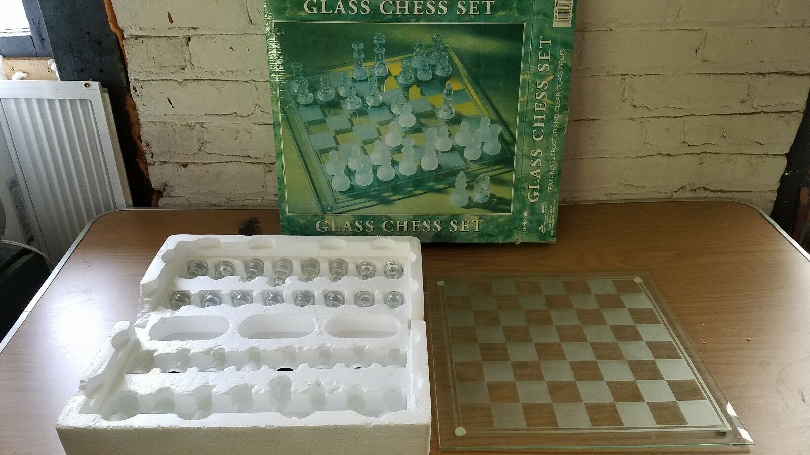 Glass Chess Set 32 Frosted & Clear Glass Pieces by Harbor Freight Tools COMPLETE