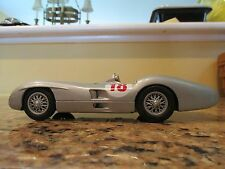 auc467  1954 Mercedes Benz W196R in 1/24th diecast by Franklin Mint