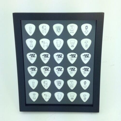 HOLDS 30 PICKS//FRAME INCLUDED Guitar Pick Display Frame  8 x 10 Vertical Black