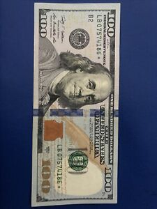$100 dollar bill *star note* Series 2009 A, rare, good condition SEE PICTURES