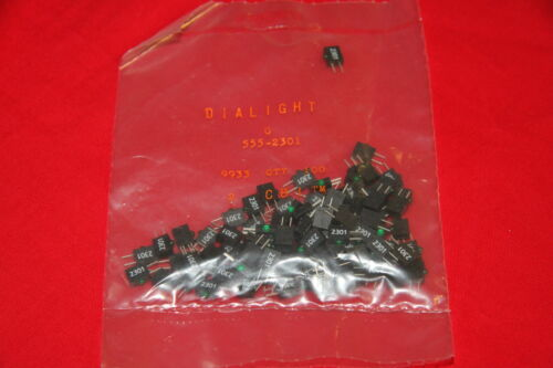 """Lot of 100 Dialight 555-2301 Green right angle PCB mount 0.1/"""" LED New old stock"""