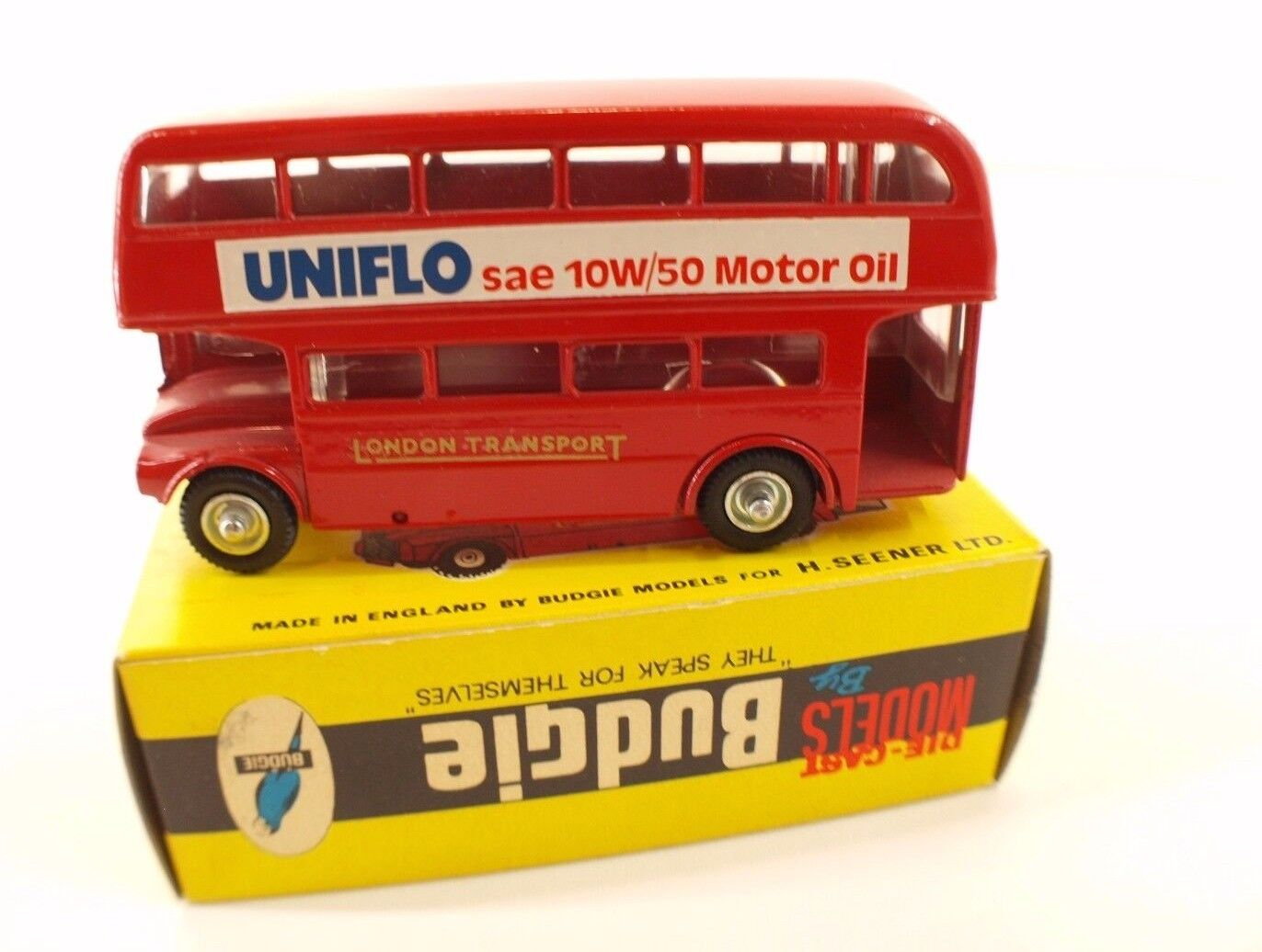 Budgie Models n° 236  AEC Routemaster 64 Seater bus UNIFLO Motor Oil en boite