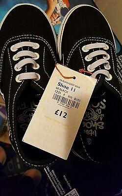 Nuevos Zapatos de lona negra de niño talla 11 Infantil Debenhams