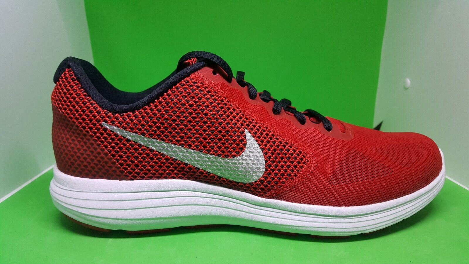 Nike Revolution Red 3 Running Mens Shoes Red Revolution Silver 819300-601 8.5 and 10 056975