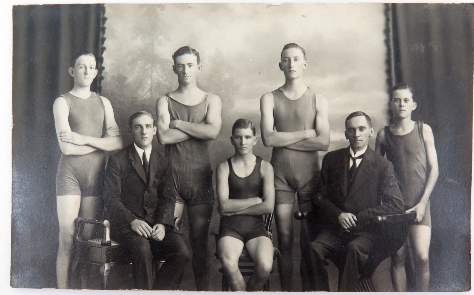 RARE 1920 REAL PHOTO POSTCARD IPSWICH GRAMMAR SCHOOL, SWIMMING. J A HUNT