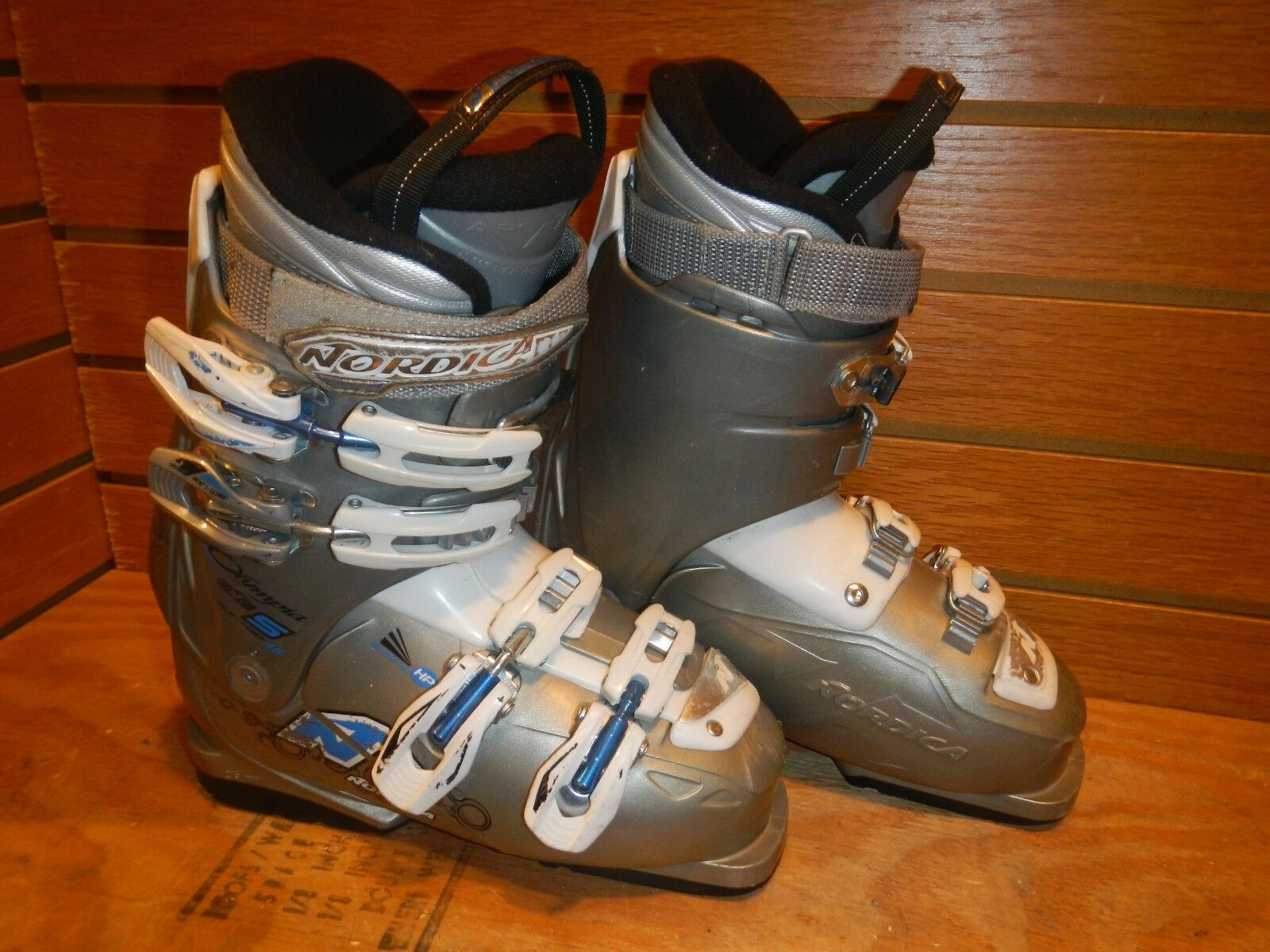 Nordica Olympia One  23.5 Women's ski boots - Lot 91  fitness retailer