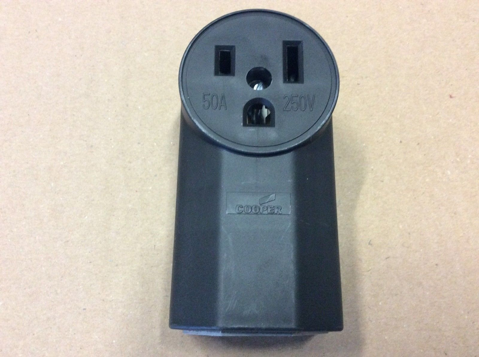 Cooper Wiring 1252 Female Power Outlet FREE SHIPPING Surface Mount