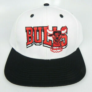 2065da7ebdd0db CHICAGO BULLS NBA VINTAGE STYLE FLAT BILL SNAPBACK RETRO 2TONE CAP ...