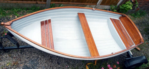 10ft,clinker boat,round stern,Dinghy,tender,rowing boat,fishing boat.£75 uk del