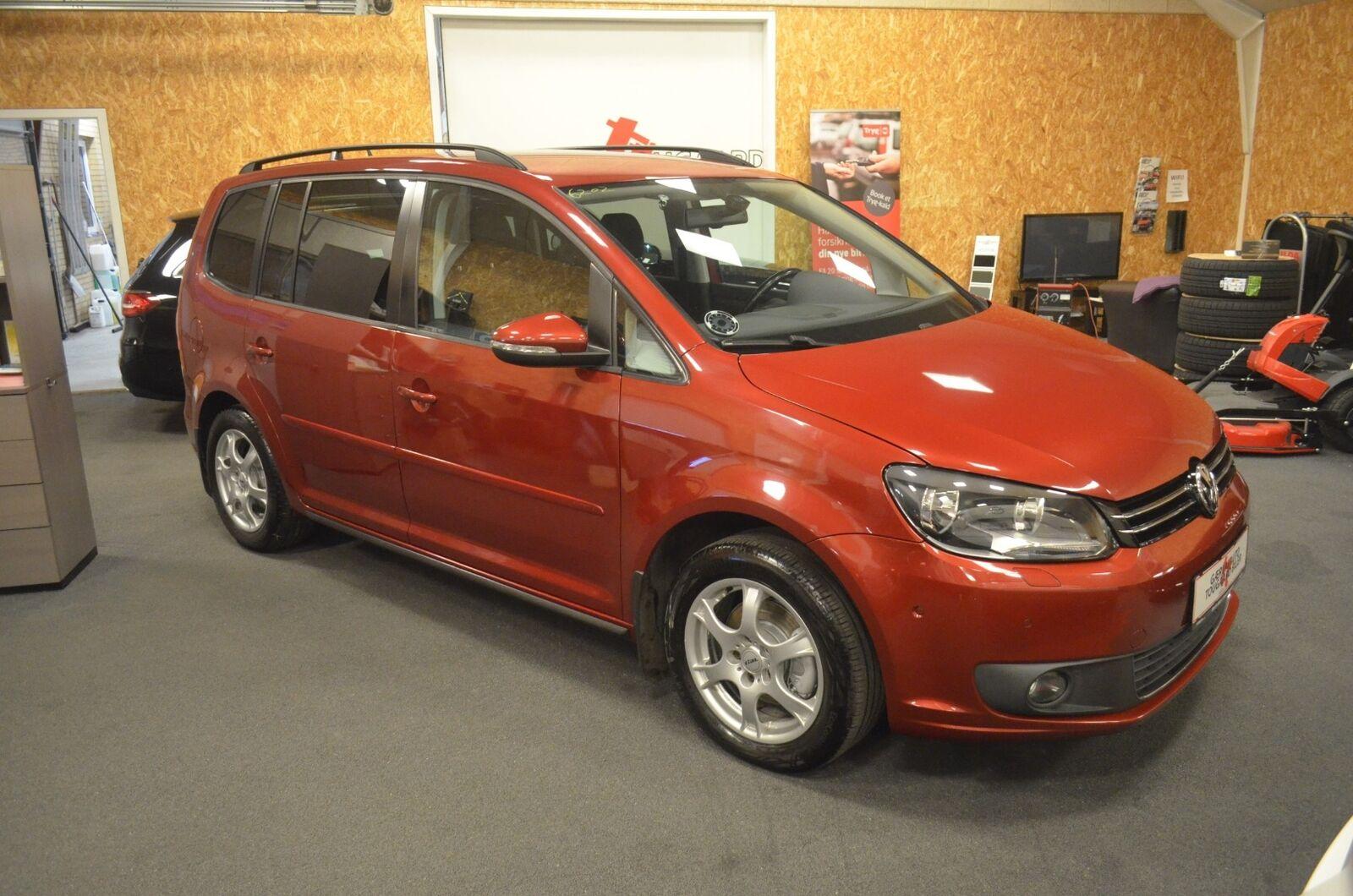 VW Touran 1,6 TDi 105 Comfortline BMT 7prs 5d - 109.800 kr.