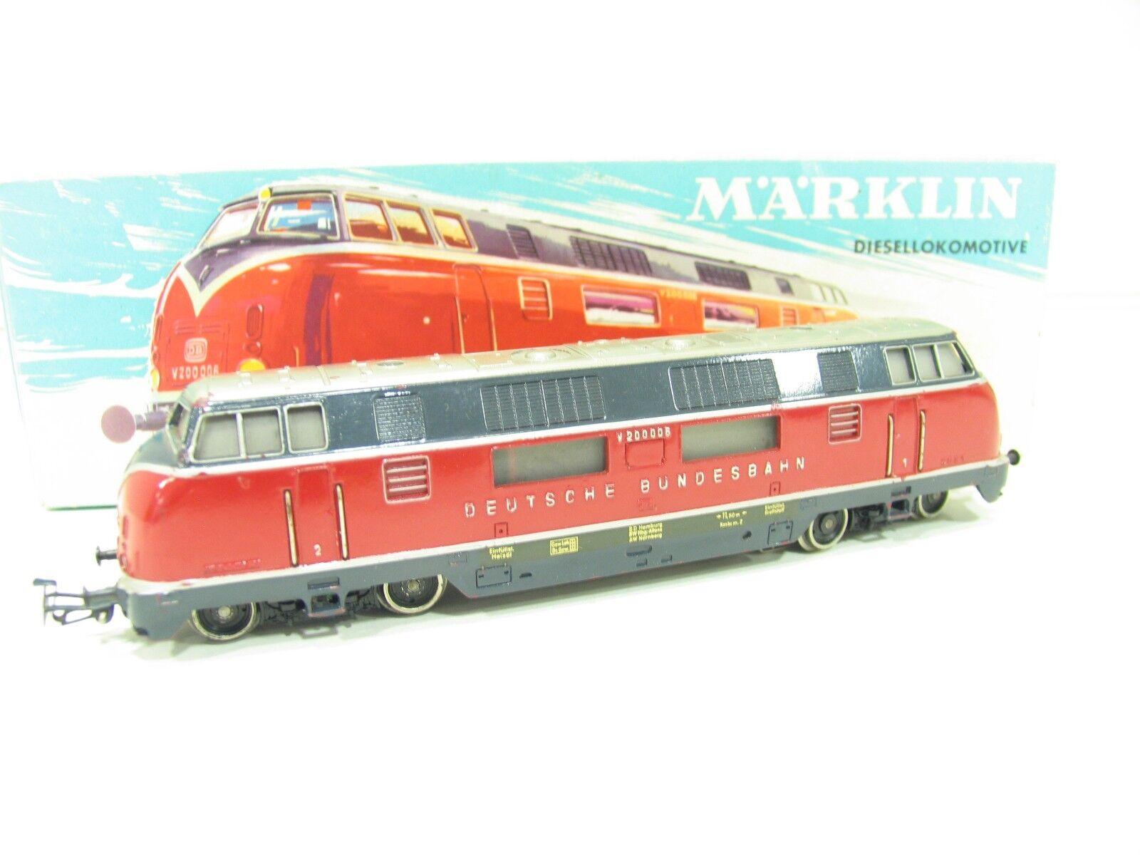MÄRKLIN 3021 DIESELLOK V200 red der DB     SP879