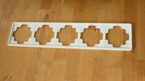 Gira S-Color 5-fach Rahmen in weiß//cremeweiß