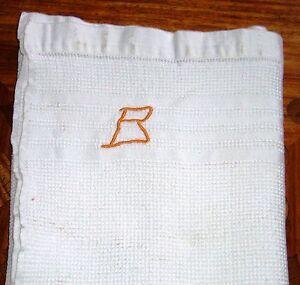 SERVIETTE de TOILETTE ANCIENNE NID d'ABEILLE avec JOUR et Monogramme B - France - Matire: Coton Origine: France Couleur: Blanc - France
