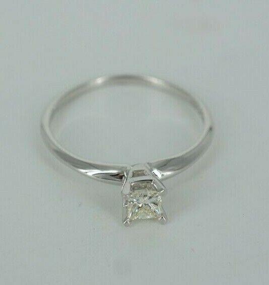 Beautiful 14k gold Princess Cut Woman's Engagement Ring