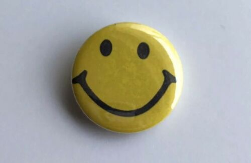 """Novelty Acid House Collectors Retro Smiley Peace Hippie 25mm// 1"""" Pin Badge"""