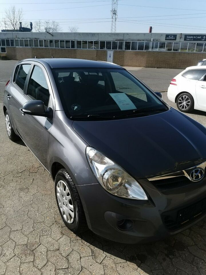 Hyundai i20 1,25 Comfort Benzin modelår 2011 km 177000