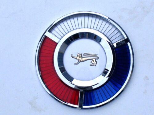 1959 59 Ford Auto Coprimozzo Sunray Emblema Rosso Bianco Blu X1 Nuovo