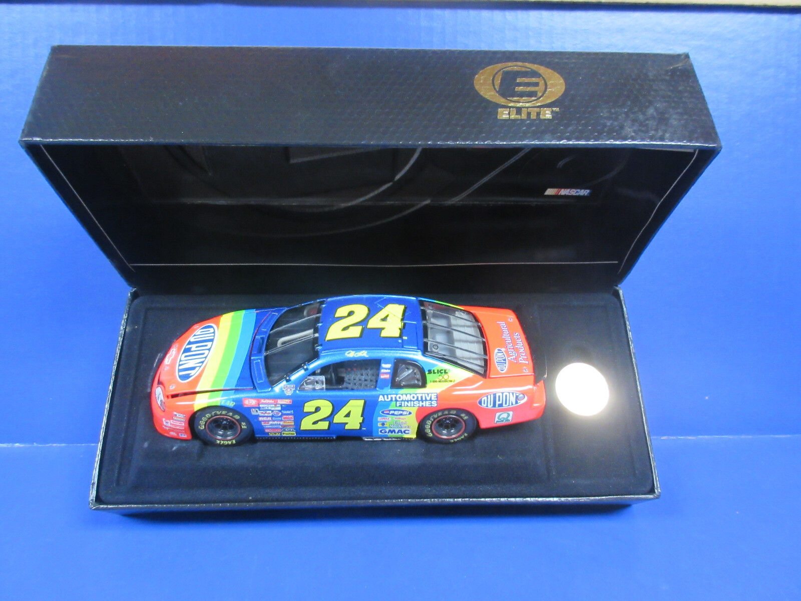 1998 Action Elite Jeff Gordon Dupont 1 24th Nascar