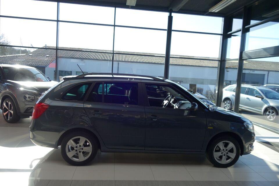 Skoda Fabia 1,2 TSi 105 Fresh Combi Benzin modelår 2014 km