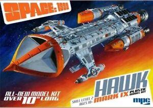 MPC-Space-1999-Hawk-Mk-IX-1-72-scale-plastic-model-kit-NEW
