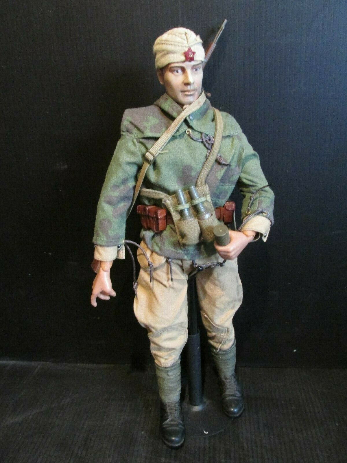 Dragon 21ST Century 1 6th scale WW 11 SOVIET SOLDIER ( A)
