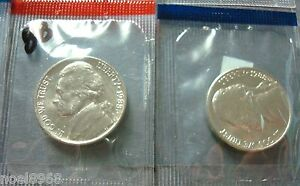 2017-P+D BOTH BRILLIANT UNCIRCULATED KENNEDY HALF DOLLARS IN MINT SEALED HOLDERS