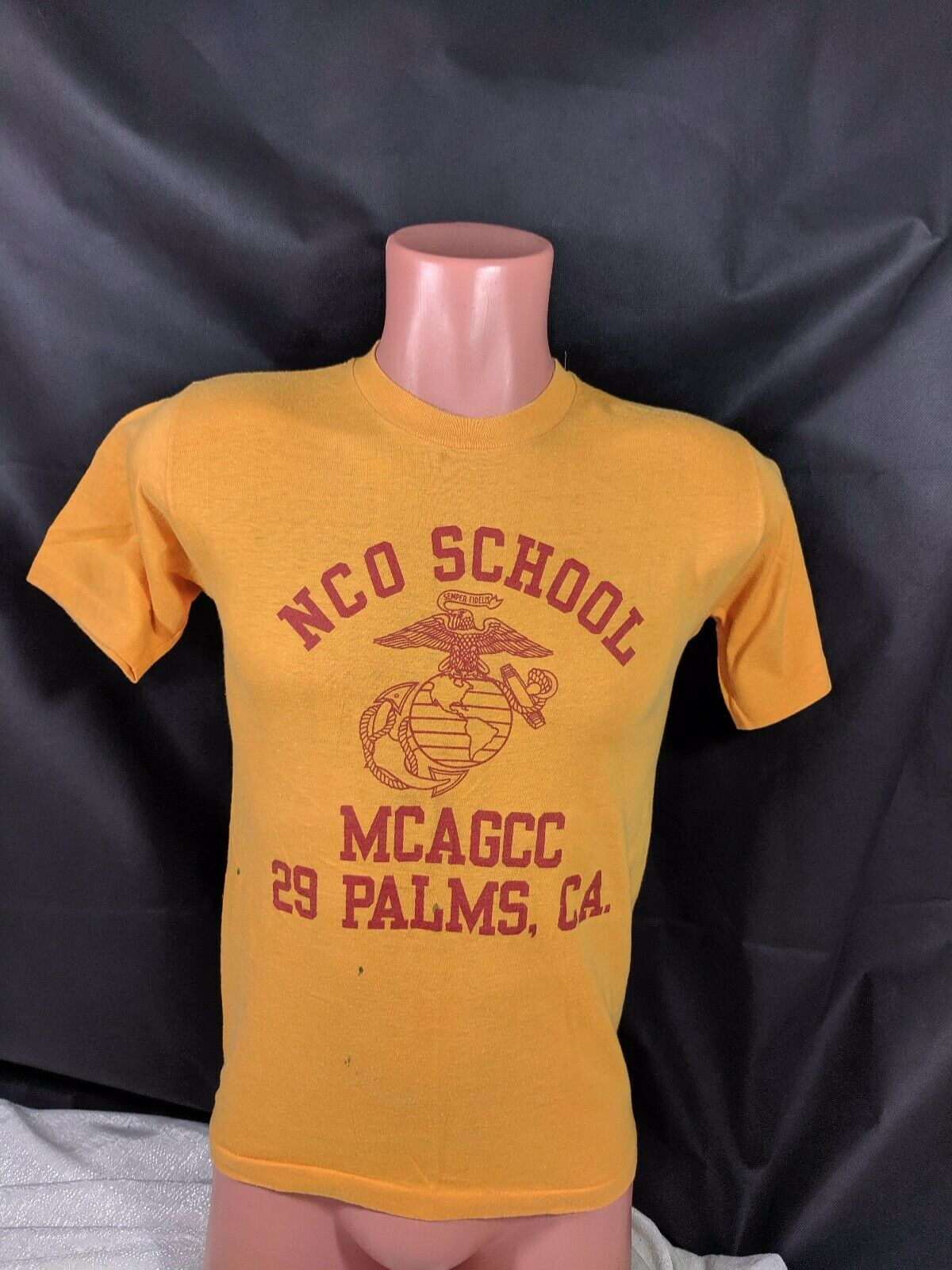 Vtg 70s 80s NCO School MCAGCC 29 Palms California T-hemd Sz Medium Velva Sheen