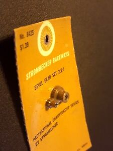 Strombecker Bevel Gear Set  2.5:1 ratio  No. 8425