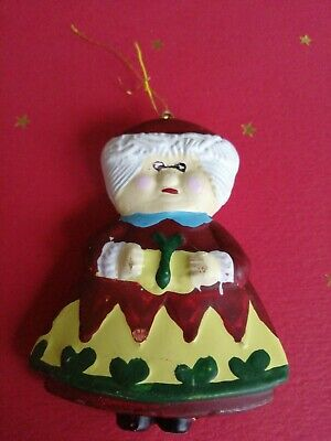 Hanging Christmas Decorations - Mrs Claus - Store ...